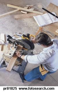 contractor-working_~pr81825